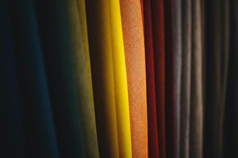 tkaniny na zasłony